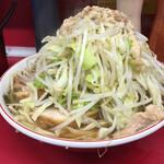 ラーメン二郎 - 料理写真:ラーメン小 ニンニクマシ ヤサイマシ アブラマシマシ