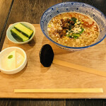 ハオツー 中華料理 - 坦々麺。これにご飯、スープが付きます