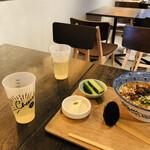 ハオツー 中華料理 - お茶はジャスミン