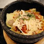 韓豚屋 - 石焼チーズダッカルビ