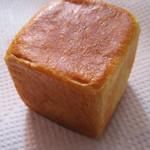 キキ ベーカリー&デリ - クリームパン