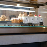 BRICK LANE - 有名なカップショートケーキなど。