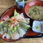 活魚問屋 海寶 - 生エビ丼1100円