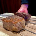 150769766 - 炉釜焼きの神戸牛
