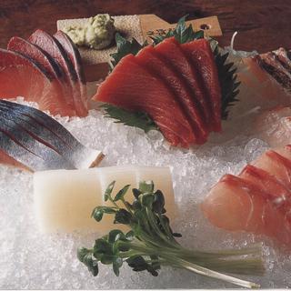 産直国産天然物魚介をご提供。