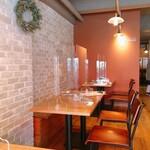 洋食屋 コンテブル - 店内は対面のパーテーションで コロナ対策完璧です(   ¯꒳¯ )b✧