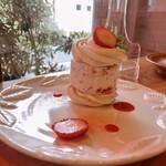 洋食屋 コンテブル - 苺のメリンガータ