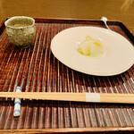 おが和 - ☆アオリイカ(愛媛・八幡浜産)とアスパラの炊き合わせ。 ☆紫雲丹(熊本・天草産)の餡掛け。