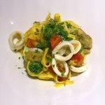 Speranza - 茄子とイカ、オリーブの自家製タリアテッレ
