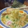 Meigenso - 料理写真:煮干し塩そばは具だくさんよ。