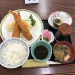 しおさい - エビフライ定食(税込み1450円)