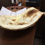 バングラキッチン - おかわりのナン