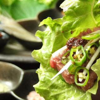 お野菜に巻いて自家製味噌と一緒にサムギョプサル風♪がっつり食べてもヘルシーです!