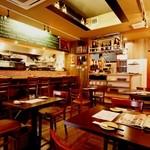 ウオサンジ - 【忘年会・新年会ご予約受付中】1階はオープンキッチンのお席です。2階は、最大45名(30名以上から貸切可)までご利用いただけます。