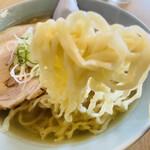 150820232 - 大盛チャーシュー麺の麺