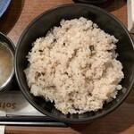 とんかつ 三谷 - ご飯のサイズがほぼ丼サイズ