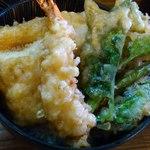 15083293 - 江戸っ子天丼のアップ。