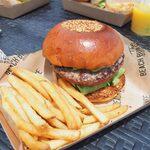 ザ ビーチ バーガー ハウス - アボカドバーガー1,150円ポテト付き