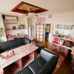 茶釜 セルフカフェ エルモット - 民家のリビングをカフェにしえいます。