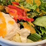 キッチン櫻庭 - サラダ(チーズメンチカツ トマトソース)