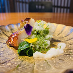150845163 - ① 先付:穴子蒸し寿司、アオサ天ぷら、鯛白子ソース