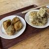 道の駅 吉野路 黒滝 - 料理写真:左、椎茸のフライ、右、舞茸の天ぷらどちらも抹茶塩付