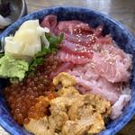 まるたか - スペシャル丼 大盛り 1,900円