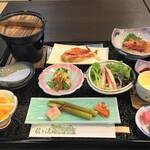 酸ヶ湯温泉旅館 - 料理写真:春の夕食