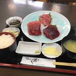 魚喰いの大間んぞく - 3色マグロ刺身定食(大トロ・中トロ・赤身)(3740円)