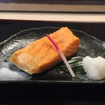 鮨金 - 鮭ハラス焼き(800円)