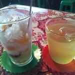 越南食卓 - ミックスチェーとジャスミン茶