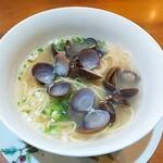 中国料理 仙ノ孫 - ⚫シジミサンラータンメン 優しいお味のスープです