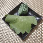 勘治屋 - 料理写真:柏餅と草餅