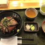 うちんくの食卓 - 料理写真:出汁付き