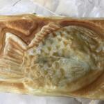 パクパク - 料理写真:クロワッサンたい焼き 100円