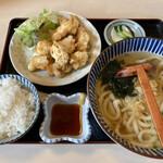 讃岐うどん大鳴門 - 料理写真:とり天セット/800円
