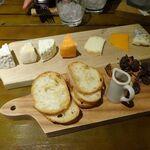 150875675 - 本日のチーズ全種盛り