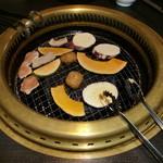 15088320 - ランチバイキングのお肉と野菜
