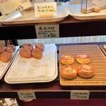 赤丸ベーカリー - 売り切れも多い、人気のパン屋さんです。