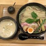150899823 - 《濃厚つけ麺》魚介つけ麺 + 特製盛り
