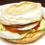 ブルースカイ - ハンバーガー!広告の写真です。