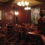 レストラン シマダ - 落ち着いた雰囲気の2階席。