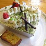 菓子工房 デコレ - デカ盛りティラミス!