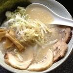 麺処 八蔵 - 料理写真:チャーシュー麺 850円