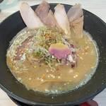 軍鶏そば 極だん - 料理写真:軍鶏白湯そば 軍鶏チャーシュー増し