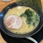 横浜家系ラーメン 宮前商店 -