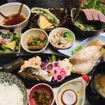 150918224 - 目にも楽しい和食膳です