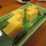 寿司竹寅 - おつまみに 玉も切ってもらいます