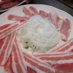 やきやき亭 - 豚三枚肉