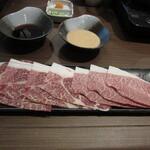 ゆで朗 - 黒毛和牛特上牛・かつおポン酢・濃厚ごまダレ